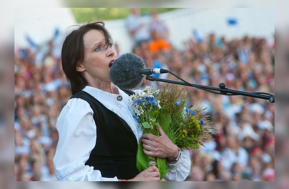 Veel üks Eesti artist sai Universali tanu alla - Siiri Sisask!