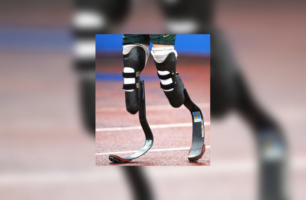 Oscar Pistoriuse süsinikkiust j-kujulised gepard-proteesid