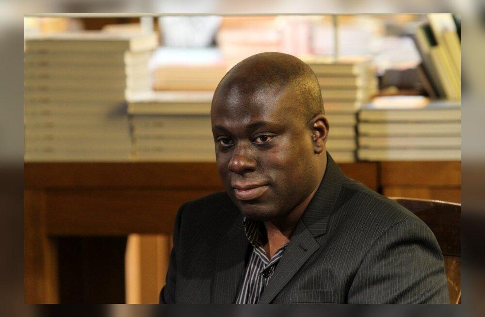 FOTOD: Ajakirjanik Abdul Turay esitles täna oma esimest raamatut