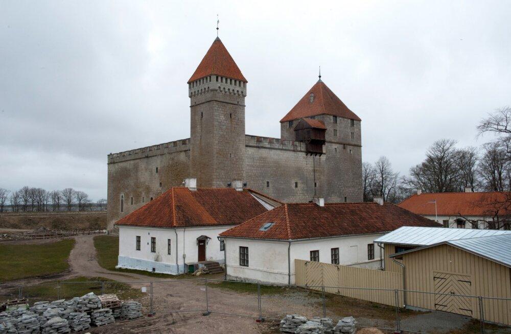 Kuressaare, Saaremaa, linnus