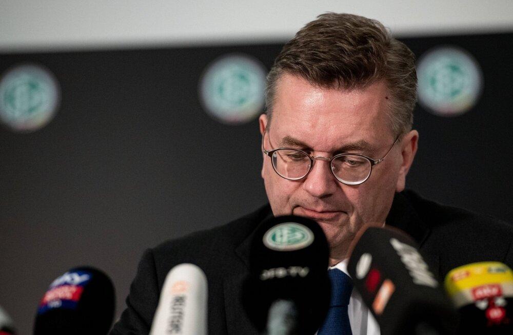 Ukraina kolleegilt luksuskella vastu võtnud Saksa vutijuht astus tagasi ka UEFA-st ja FIFA-st