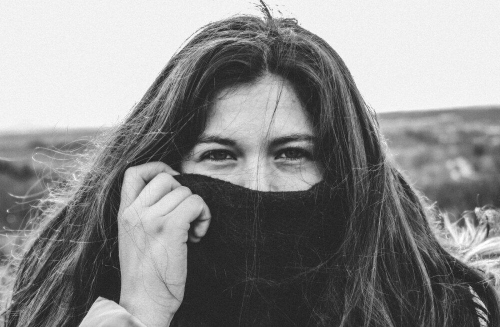 Женщины запустили флешмоб и сами в нем запутались: что означает черно-белый челлендж в соцсетях