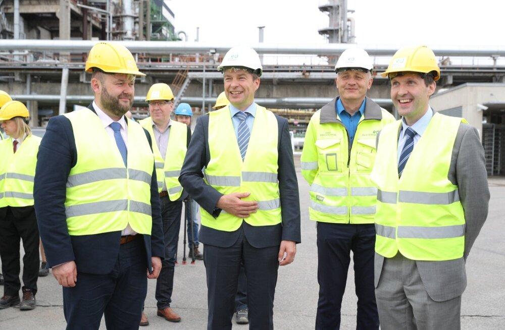 Vasakult: keskkonnaminister Rene Kokk, Eesti Energia juht Hando Sutter ja rahandusminister Martin Helme