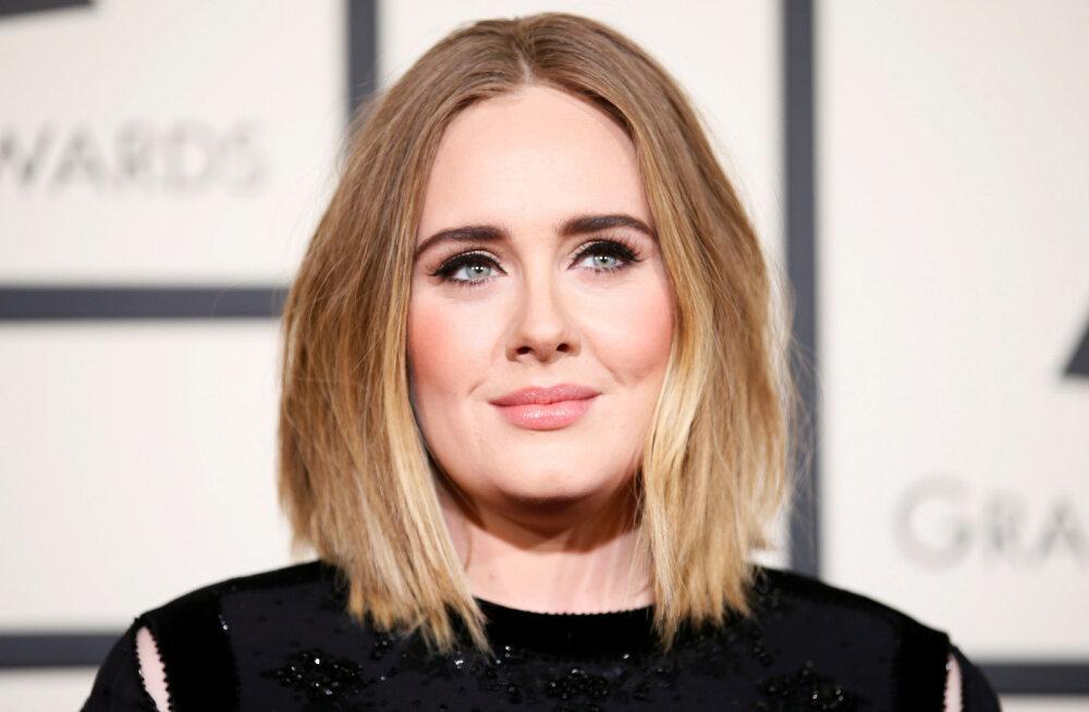 KLÕPS | Ei tunne enam äragi! Liibuvas riietuses Adele näeb välja kui täiesti teine inimene