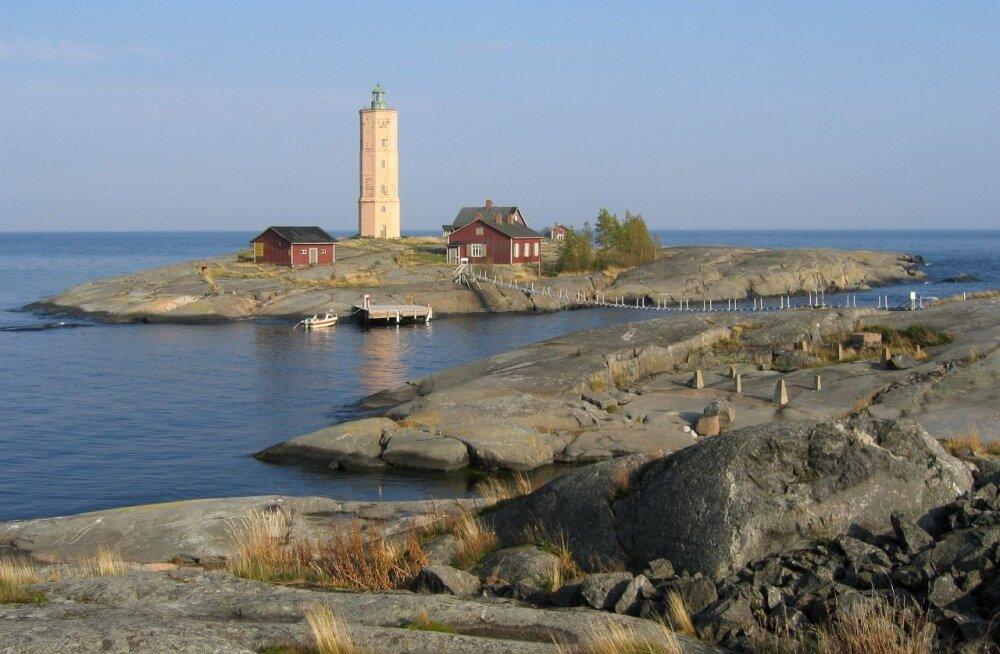 ФОТО: Легендарный маяк Седершер, или В поисках Муми-дома в Финском заливе