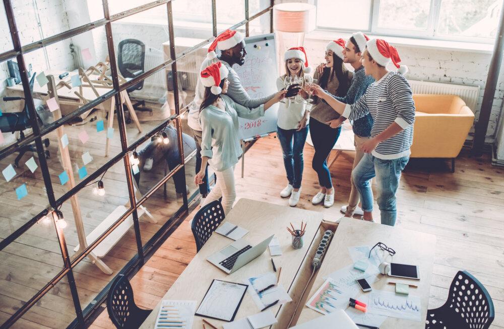 Neli asja, mida peaksid firma jõulupeol tegema, et karjääriredelil sammu edasi astuda
