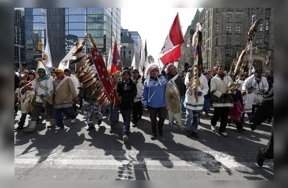 Seitse Kanada indiaanlast kõndis 1600 kilomeetrit pealinna elutingimuste üle protestima