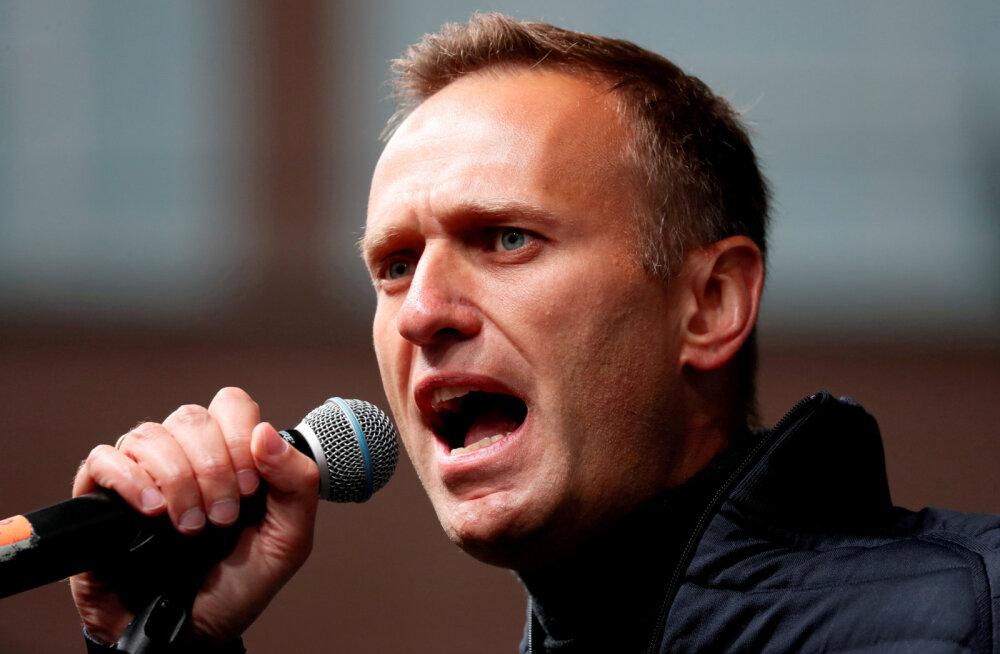 Алексей Навальный подал в суд на пресс-секретаря президента РФ Дмитрия Пескова