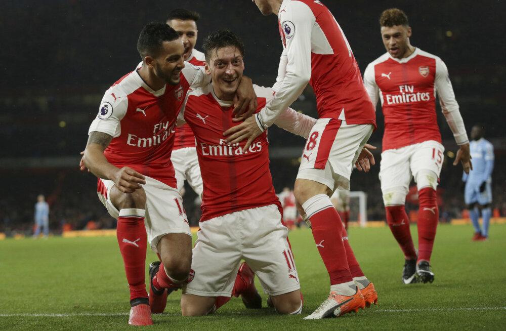 Arsenal haaras Inglismaal liidrikoha, Leicester nahutas Manchester Cityt