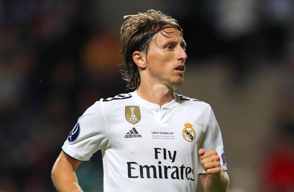 Madridi Real süüdistab Milano Interit illegaalses lähenemises Luka Modricile