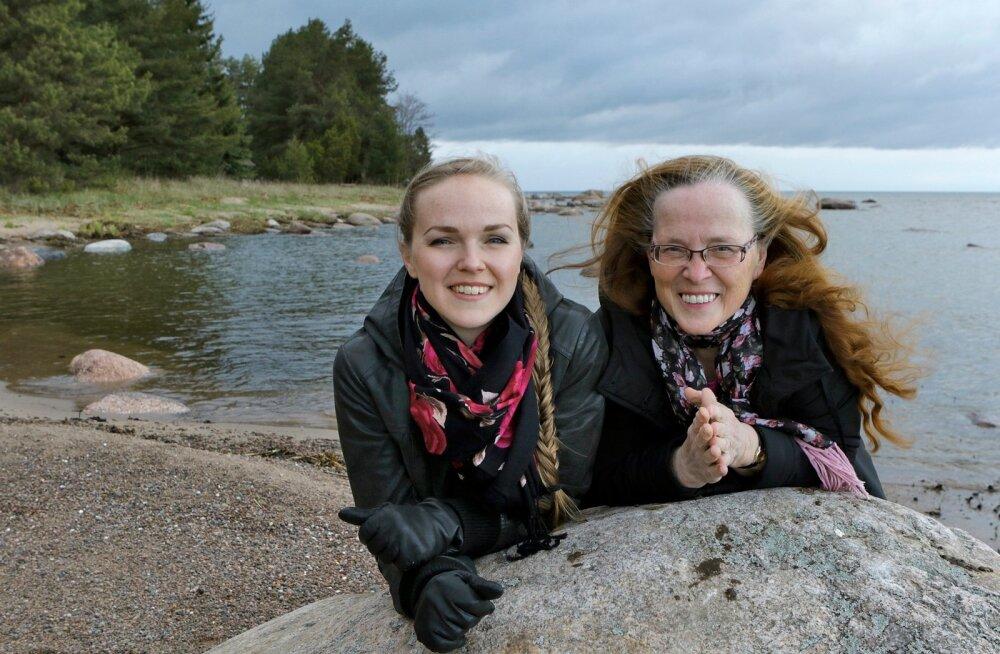 Tütar ja ema – Kadri ja Viivi Voorand Kasispeal, 2015.