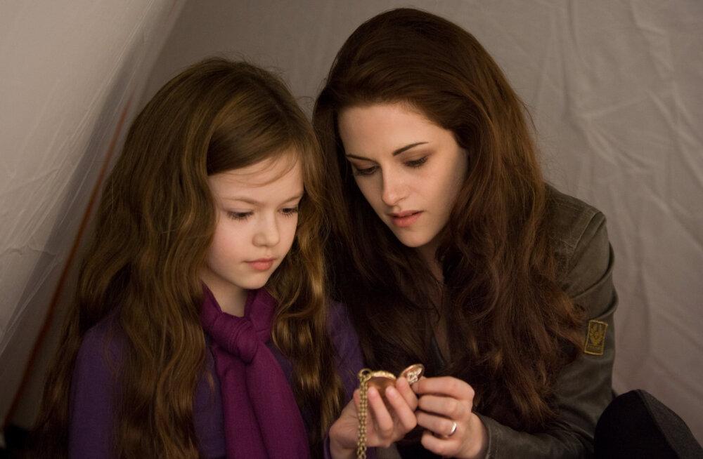 Aeg lendab! Videviku filmide staari Kristen Stewarti tegelase Bella tütar Renesmee on kasvanud imekauniks nooreks neiuks