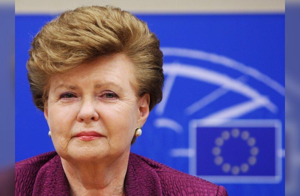 Leht: opositsioonipartei keelitas Vīķe-Freiberga taas kandideerima