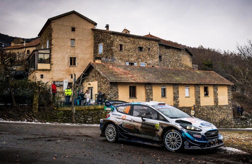 Valus löök: lennujaama lõksu jäänud WRC-piloot ei pääsenud Rootsi rallile