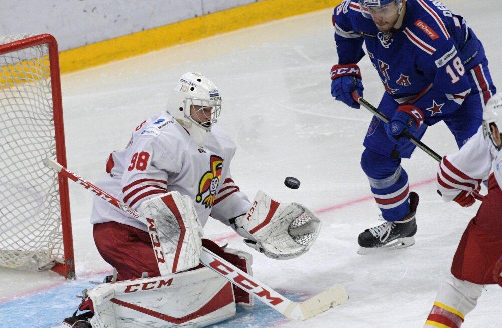 VIDEO | Kas näeme selliseid ilunumbreid ka Tallinnas? KHL-i septembrikuu parimad tõrjed