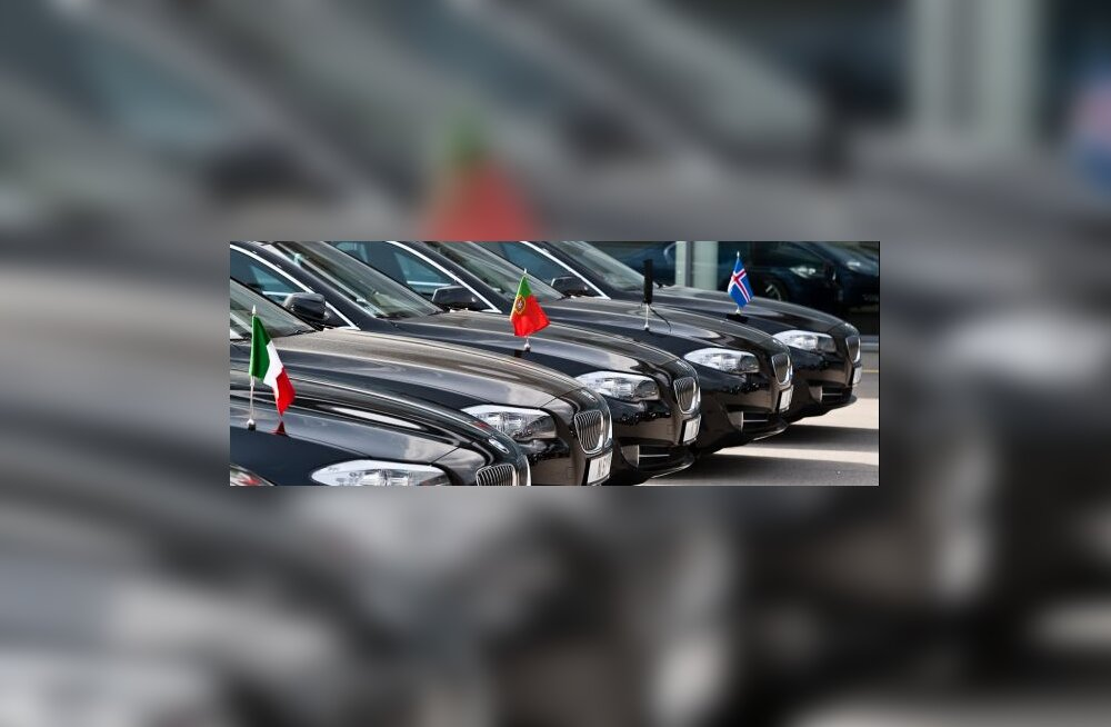 Lahkuvad NATO ministrid seiskavad tipptunnil liikluse