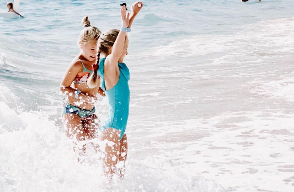 Ученые объяснили, почему опасно купаться в море