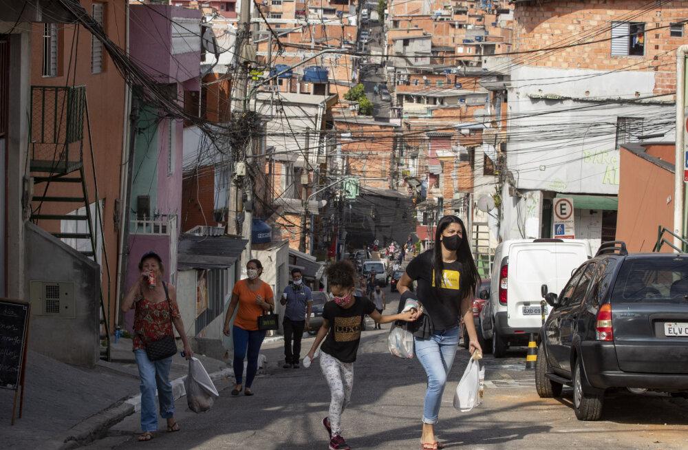 COVID-19 uus ränk epitsenter Brasiilia vaidleb selle tõkestamisest loobumise üle