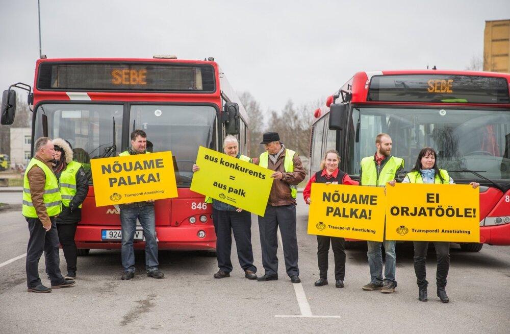 SEBE bussijuhtide pikett Tartus 2018. aasta kevadel.