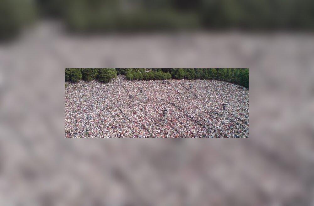 """""""ÜhesHingamine"""" lõi rahvarekordi: 154 000 inimest"""