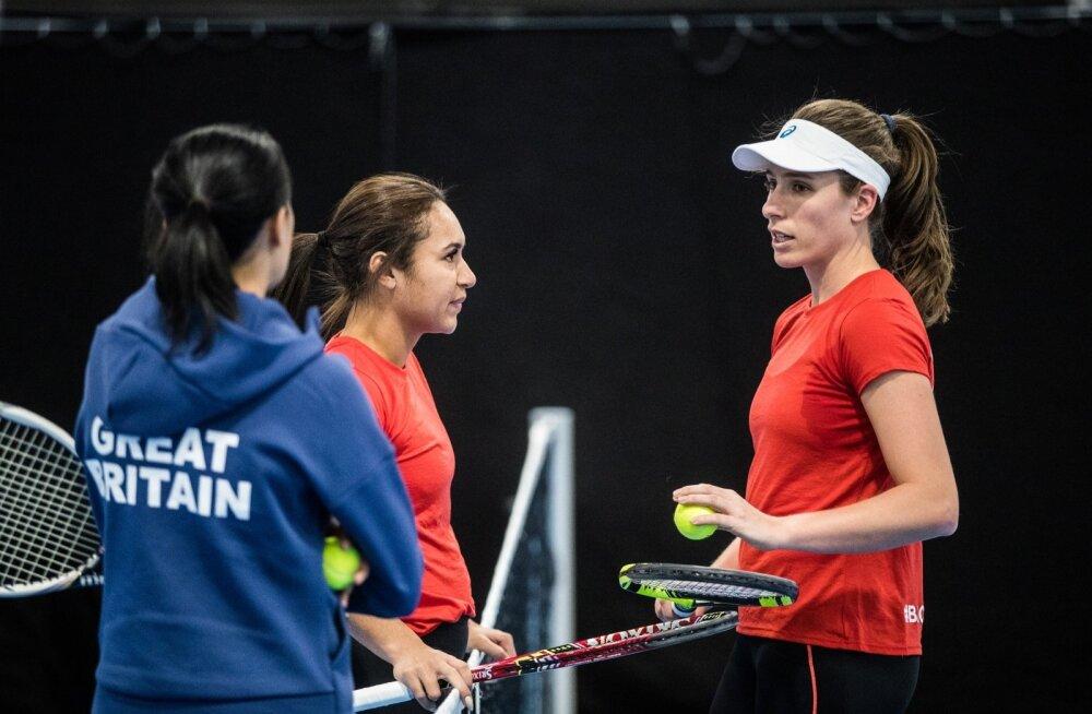 Heather Watson (vasakul) ja Johanna Konta Fed Cupil Tallinnas