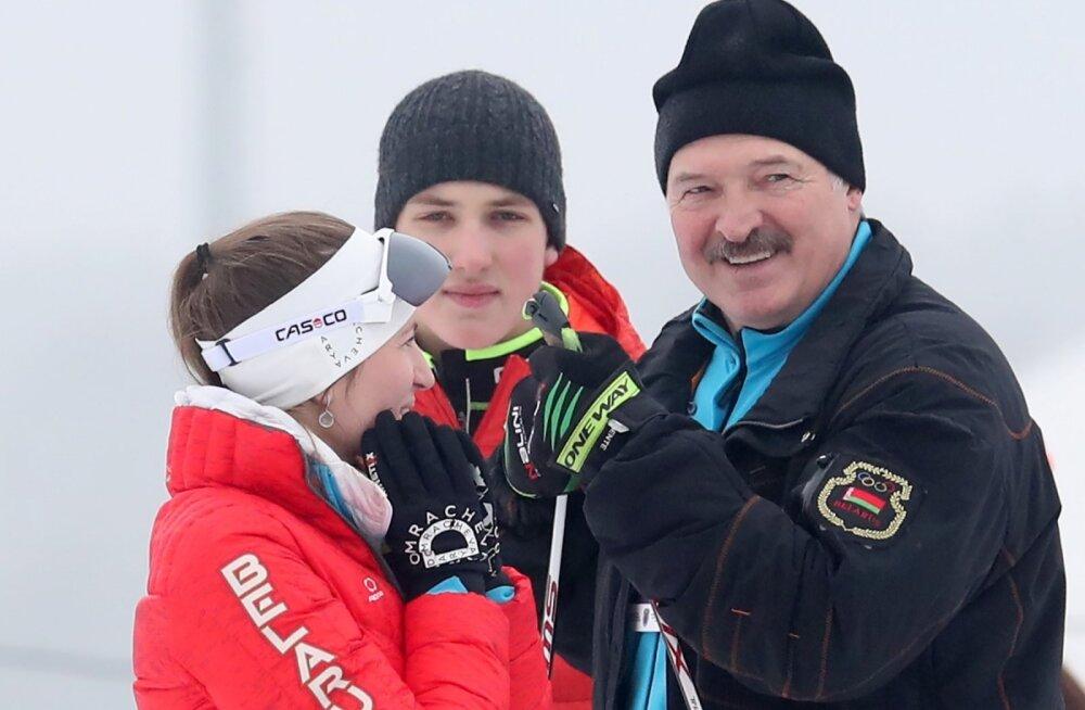 Aljaksandr Lukašenka ja laskesuusataja Darja Domratšava. Mida arvab ta oma kodumaa presidendist ja sõbrast nüüd?