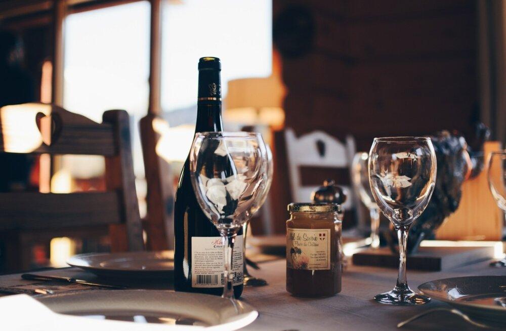 VEINIJUTT | Sumedad augustiõhtud šampanja seltsis