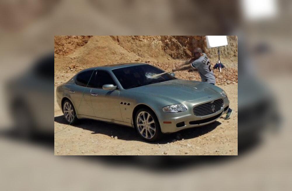 VIDEO: Räpparile ei meeldi materialism, nii et ta lõhub oma Maserati
