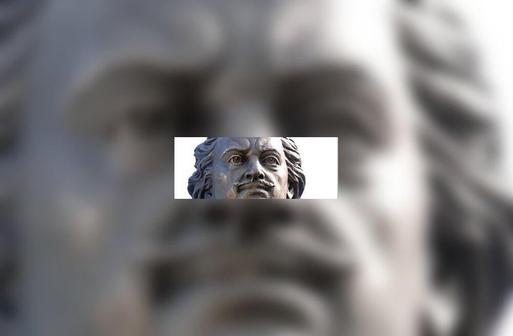 Stalnuhhin: eestlastele SS-monument, venelastele Peeter I
