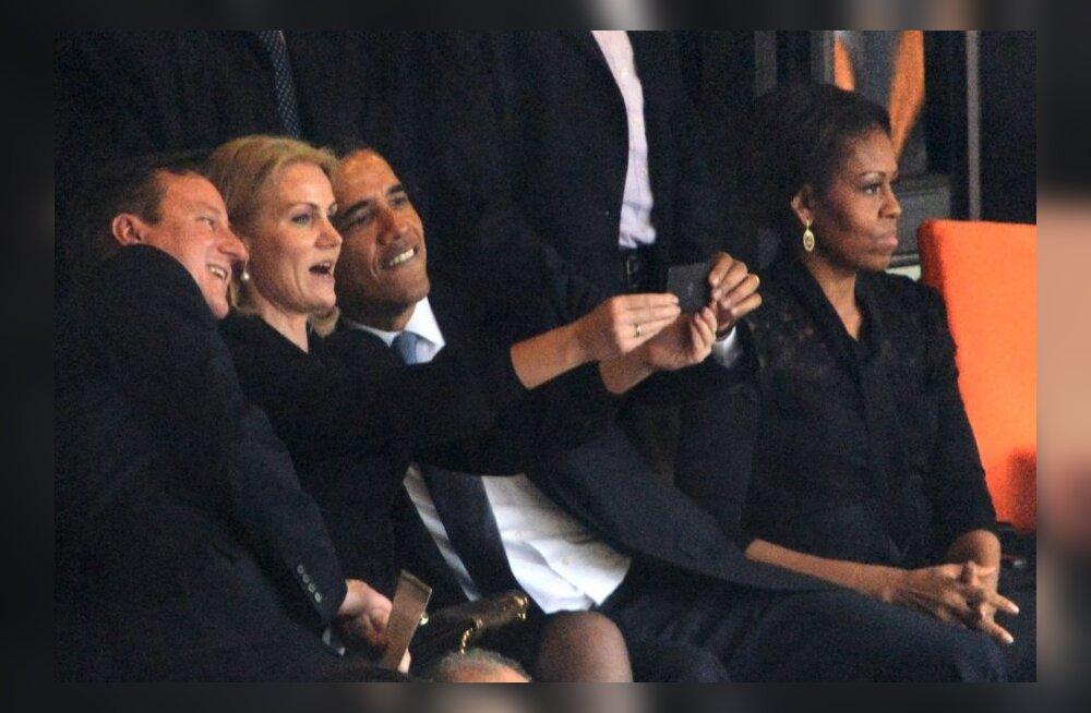 USA president Barack Obama, Briti peaminister David Cameron ja Taani peaminister Thorning Schmidt poseerivad Nelson Mandela mälestustseremoonial