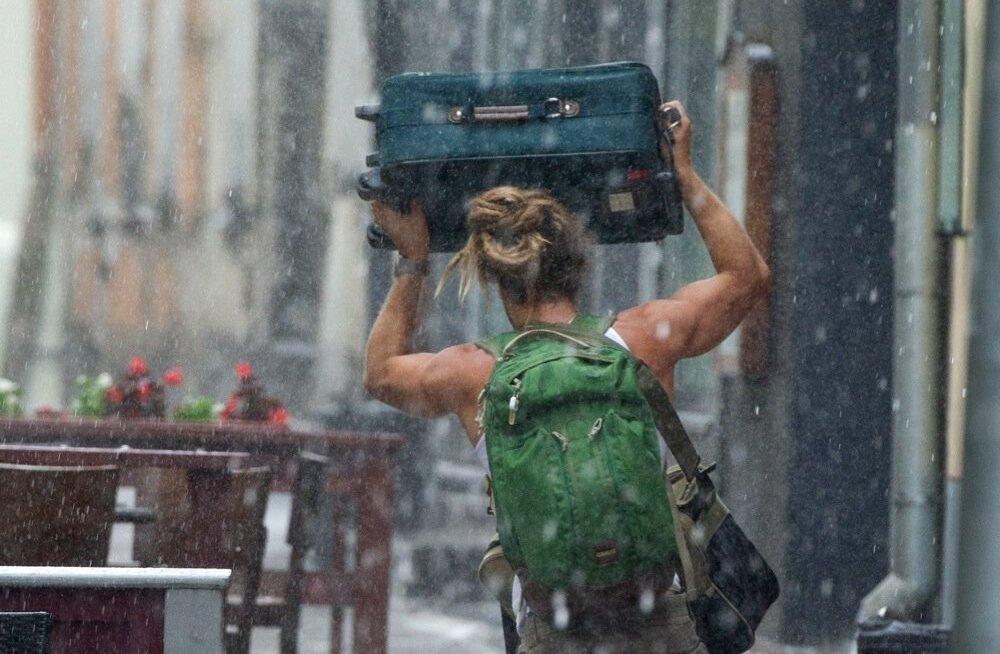 Äikesevihm võib turiste tabade ebameeldiva üllatusena igal kuul aastas.