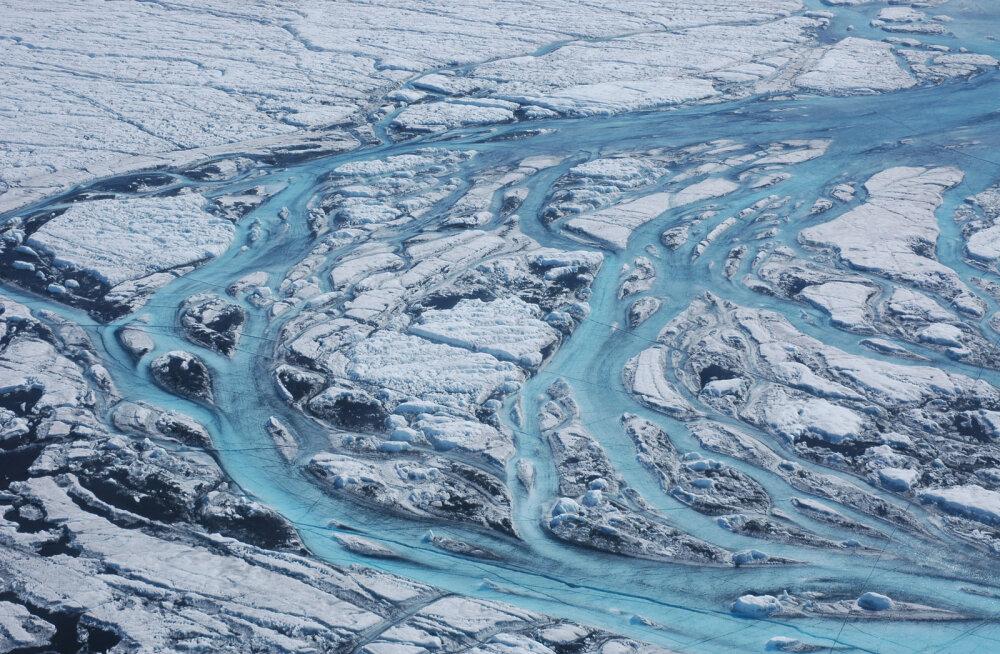 Jääb üle ainult kohaneda: värske uuring viitab, et Gröönimaa jää sulamine on nüüd vältimatu