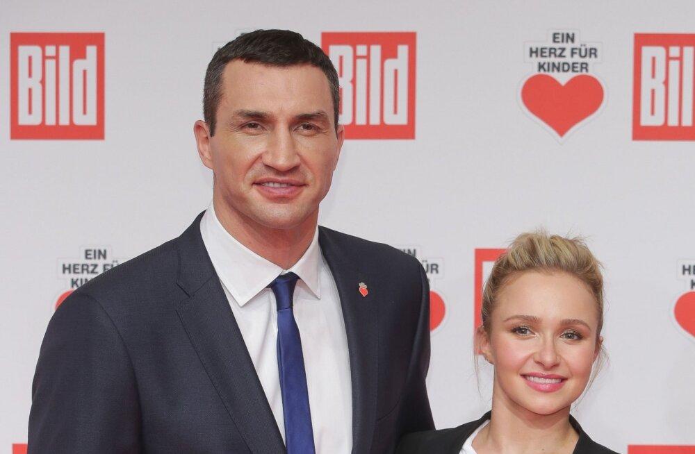 Владимир Кличко забрал четырехлетнюю дочь у голливудской звезды Хайден Панеттьери