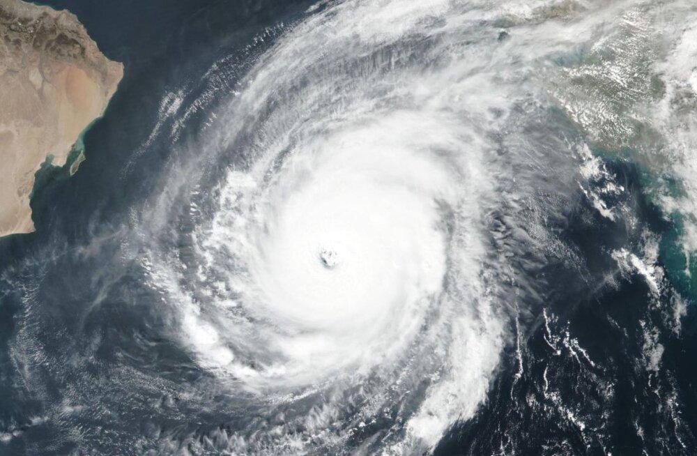 Veel üks rekordeid purustav torm: sel korral möllab see Araabia meres