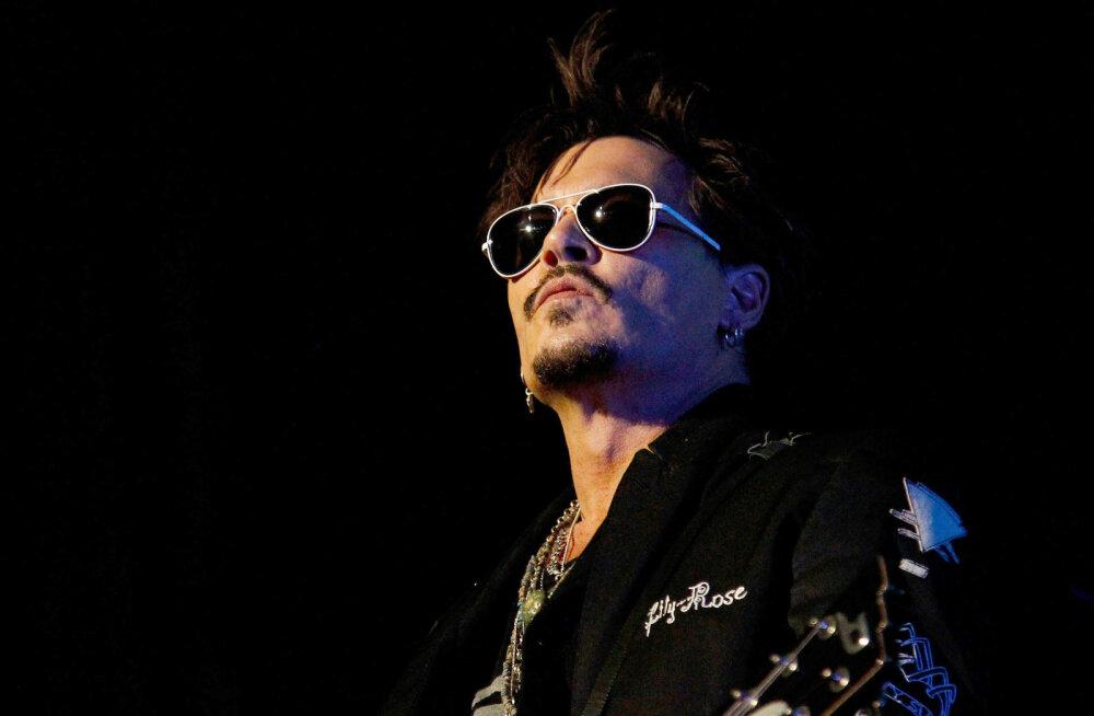 Johnny Depp otsib raskel hetkel tuge sõprade juurest