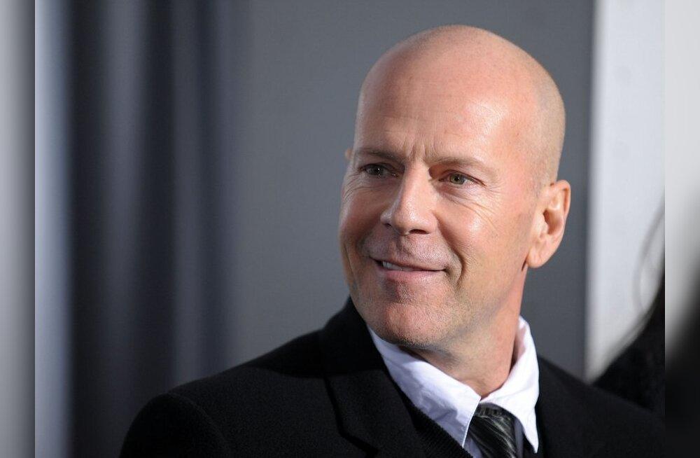 Vananev Bruce Willis reklaamib Vene panka
