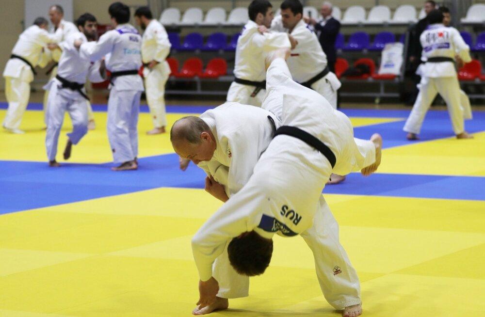 Putin vigastas judo olümpiavõitjaga maadeldes sõrme