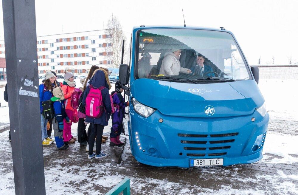 Tasuta bussisõidu vastu poleks ka neil Põlva lastel ja noortel midagi, ainult et siiani pole päris täpselt teada, kuidas see toimima hakkab.