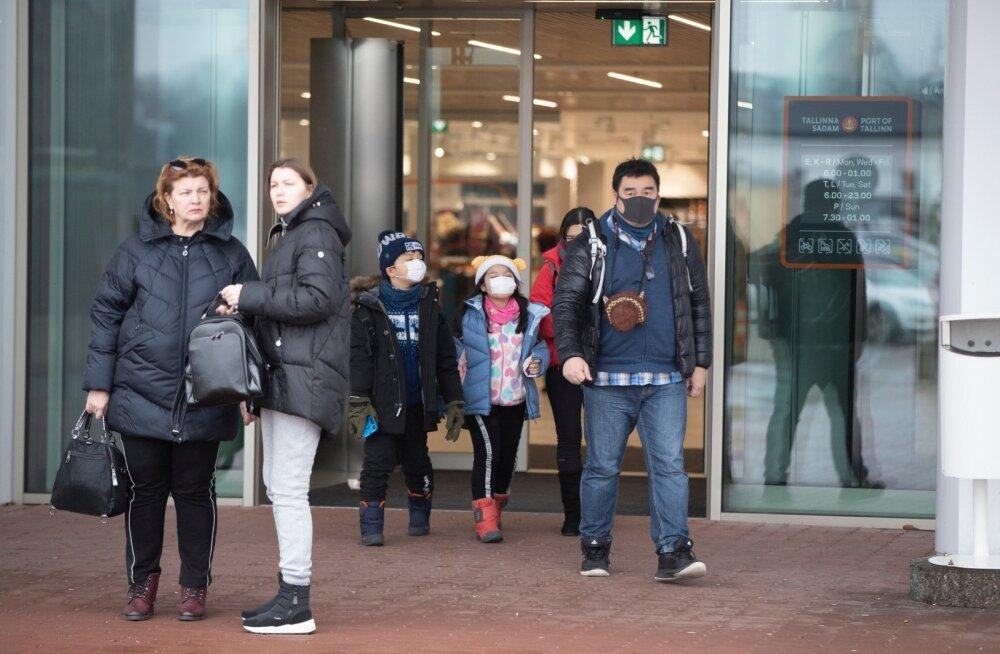 Ночью из Таллиннского аэропорта в больницу доставили пассажирку с подозрением на коронавирус