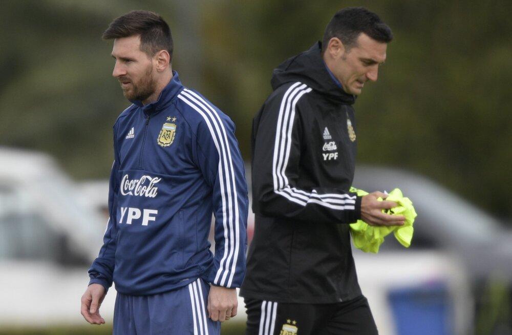Argentina jalgpallikoondise peatreener: meie peal on meeletu pinge