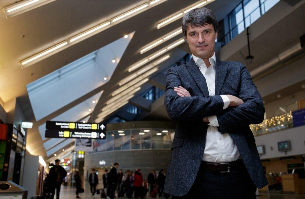 Pool aastat Tallinna lennujaama juhtinud Riivo Tuvikese sõnul on tema töö väga huvitav. Samal ajal tuleb tagada nii Tallinna kui ka teiste regionaalsete lennujaamade tõhus töö ja ellu viia ka järgmise 15 aasta suured laiendusplaanid.