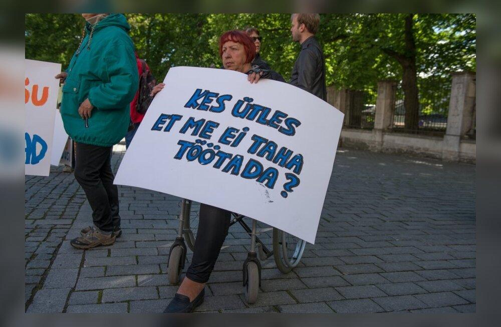 Puudega inimesed korraldavad oma õiguste kaitseks piketid kõigis Eesti maakonnakeskustes