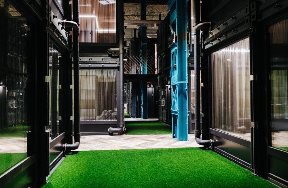 В бывшем локомотивном депо Таллинна появится новый отель. Гости будут ночевать в морских грузовых контейнерах