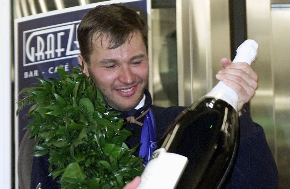 Juba 2001. aastal, kui Andrus Veerpalu esimest korda maailmameistriks krooniti, süüdistasid rivaalid teda veredopingu kasutamises.