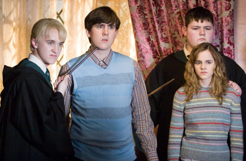 KLÕPS | Täielikult muutunud! Harry Potteri staarid tähistasid ühiselt jõule: tervitused koolikaaslastelt