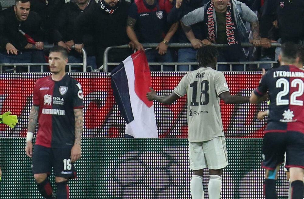 Vastasfännide rassistliku sõimu järel rumala avaldusega välja tulnud Juventuse kapten langes kriitikatule alla