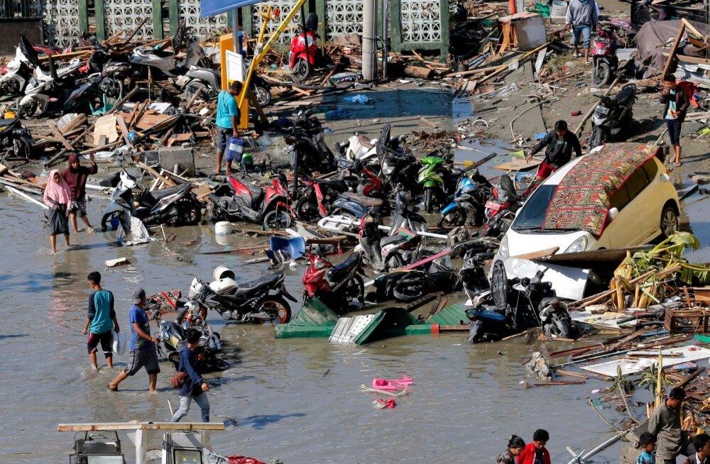 FOTOD | Indoneesia maavärina ja hiidlaine tagajärjel hukkunute arv tõusis 832-ni