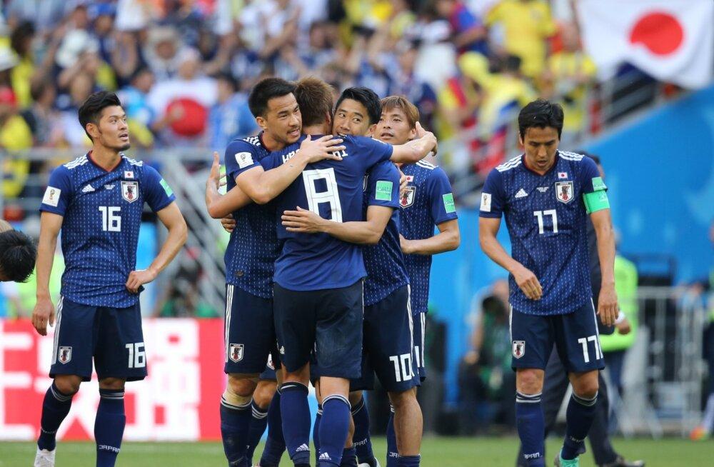 BLOGI | Jaapan võitis kiirelt vähemusse jäänud Kolumbiat 2:1!