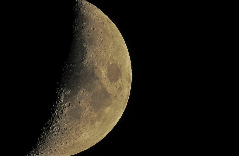 Kuu kahaneb ja seda tabavad kuuvärinad