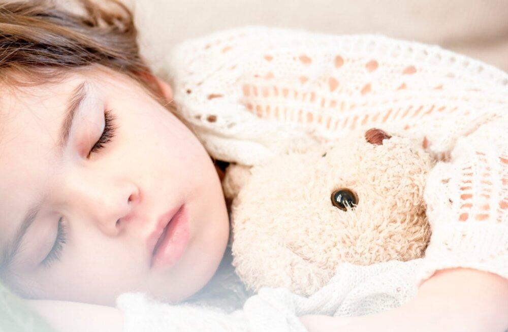 """Без сиропов и таблеток: лечение ОРВИ у детей в 19 """"заповедях"""""""